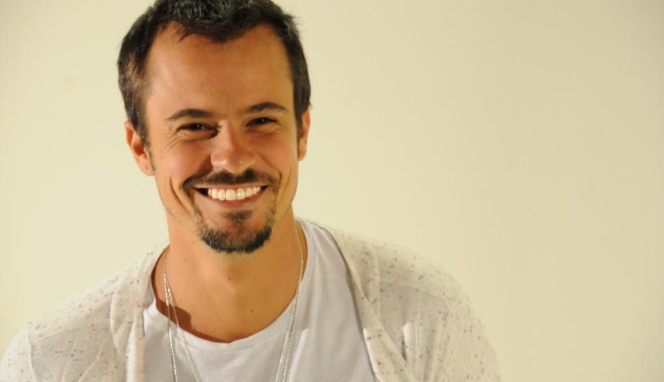 Paulo Vilhena participa do Bate-papo UOL