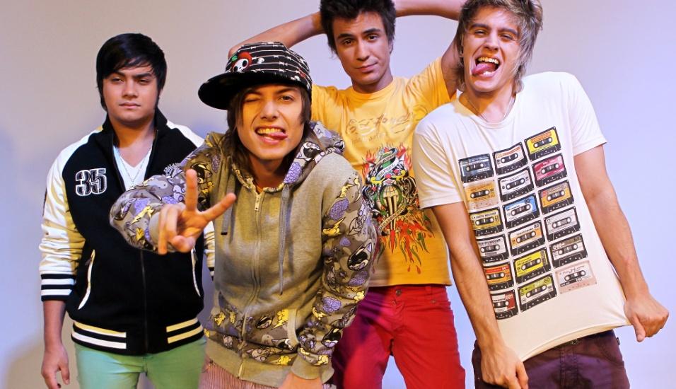 Os integrantes do Restart durante Bate-papo UOL com Convidados (29/03/2011)