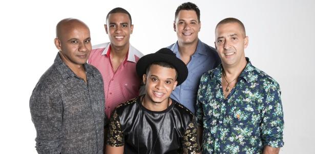 Thell (tantan), Rommero (vocal e banjo), Jeffinho (vocal e pandeiro), Nego Branco (vocal) e Brilhantina (cavaquinho)