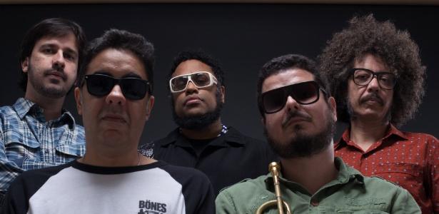 """No Bate-Papo UOL BNegão fala sobre """"TransmutAção"""", seu terceiro álbum"""