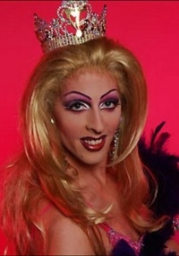 A travesti Katylene vai apresentar um programa de fofocas na MTV