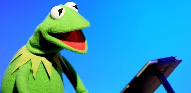 Kermit, o sapo dos Muppets, participa do Bate-Papo UOL (22/11/11)