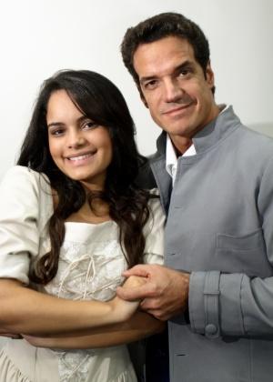 """Carol Macedo e Carlos Machado estão em """"Escola de Mulheres"""" no Teatro Bibi Ferreira em São Paulo - Divulgação"""