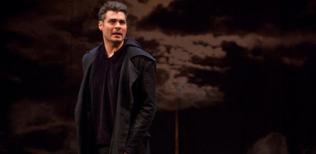 Ator durante o espetáculo de William Shakespeare - João Caldas/Divulgação