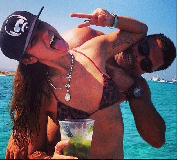 Paula Morais e Ronaldo curtem Ibiza